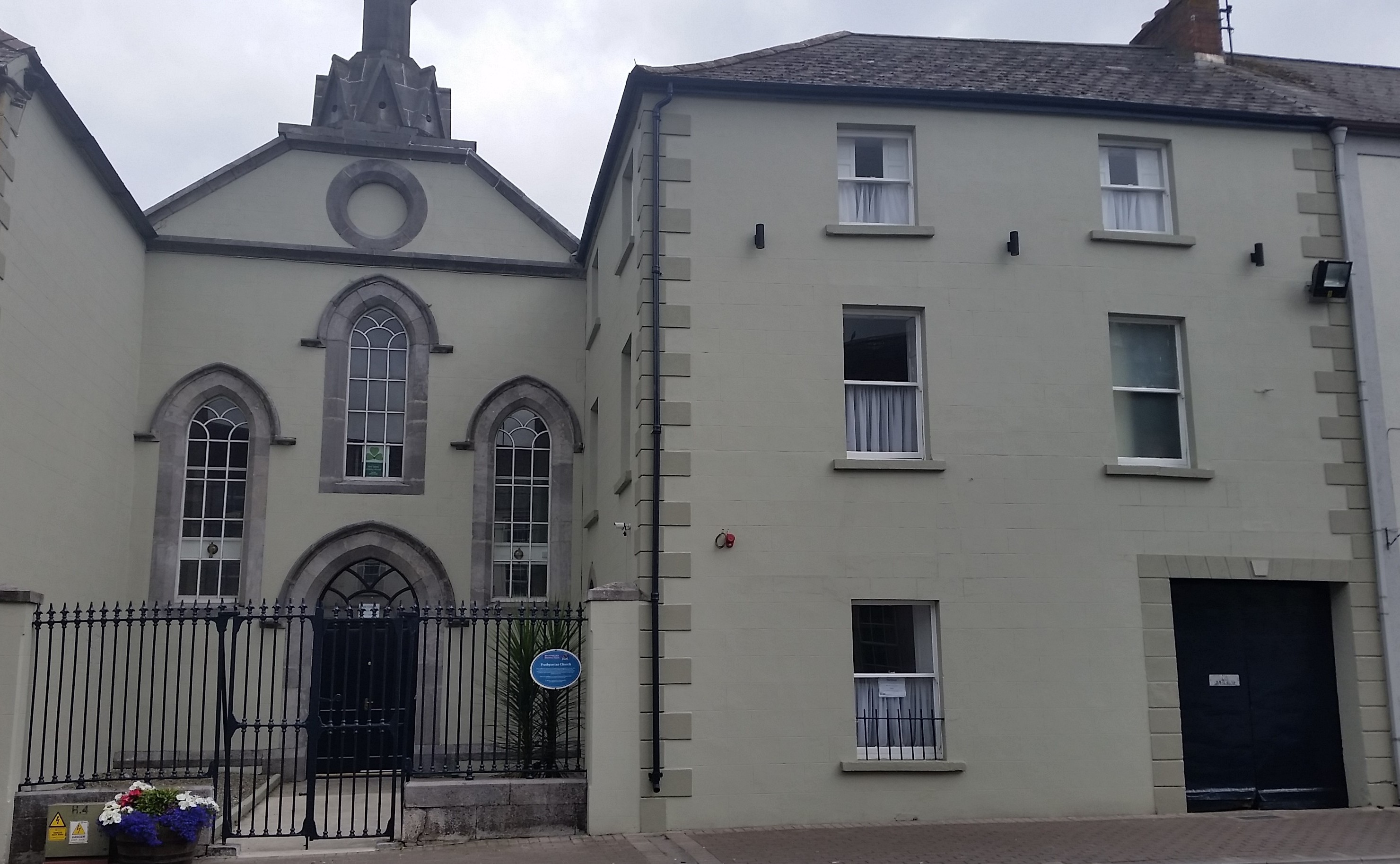 Tullamore to Mountmellick - 3 ways to travel via bus, taxi, and